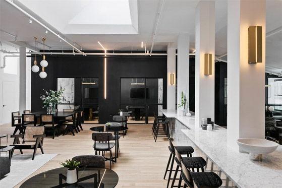 首页 名杰装饰资讯中心 行业动态 黑白色创意办公室装修设计案例